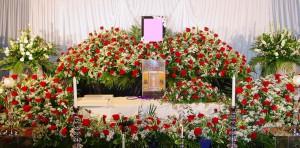 家族葬ばら祭壇